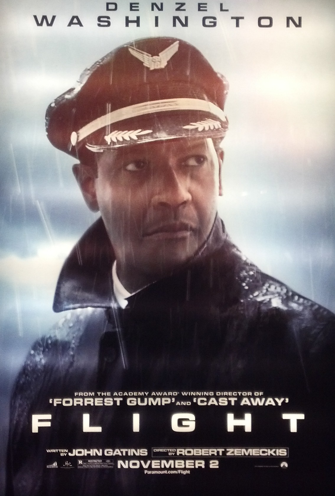 denzel guides movie through turbulence for decent flight